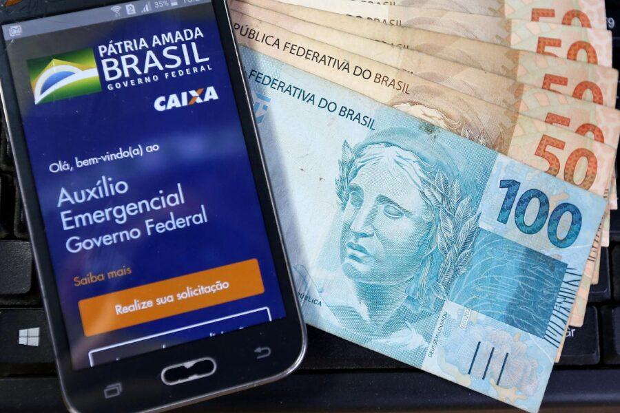 Governo divulga novo calendário de pagamento do auxílio emergencial
