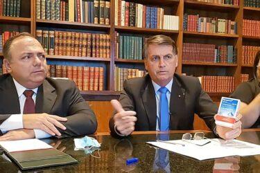 'Estamos chegando ao número de 100 mil (mortes); vamos tocar a vida' diz Bolsonaro