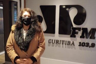 """""""Educação é um ponto central"""", declara Christiane Yared, pré-candidata a prefeitura de Curitiba"""