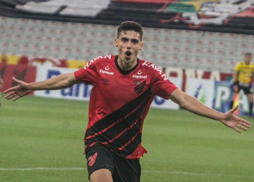 Com gol de Cittadini, Athletico sai na frente na decisão do Estadual