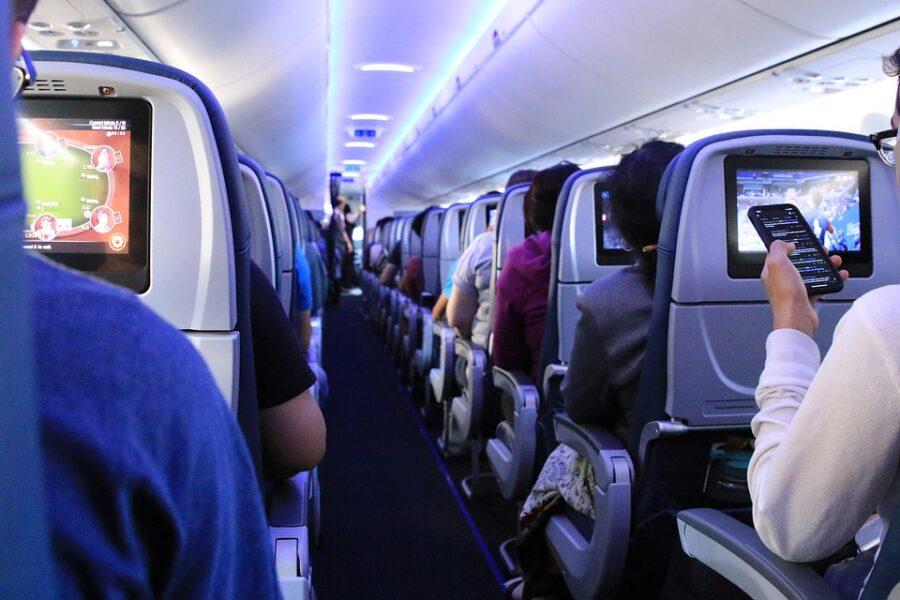 coronavírus no avião