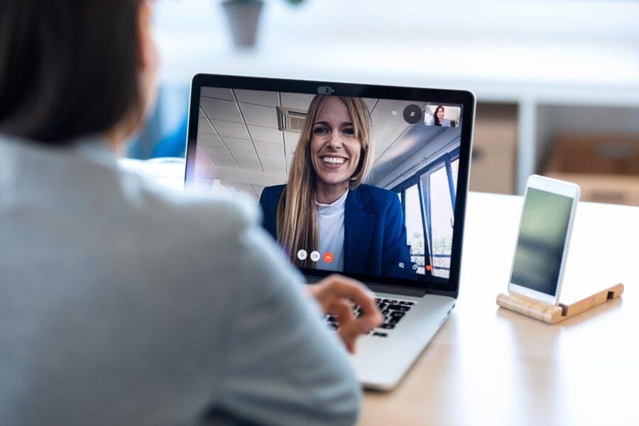 Podcast: Como se preparar para uma entrevista de emprego online