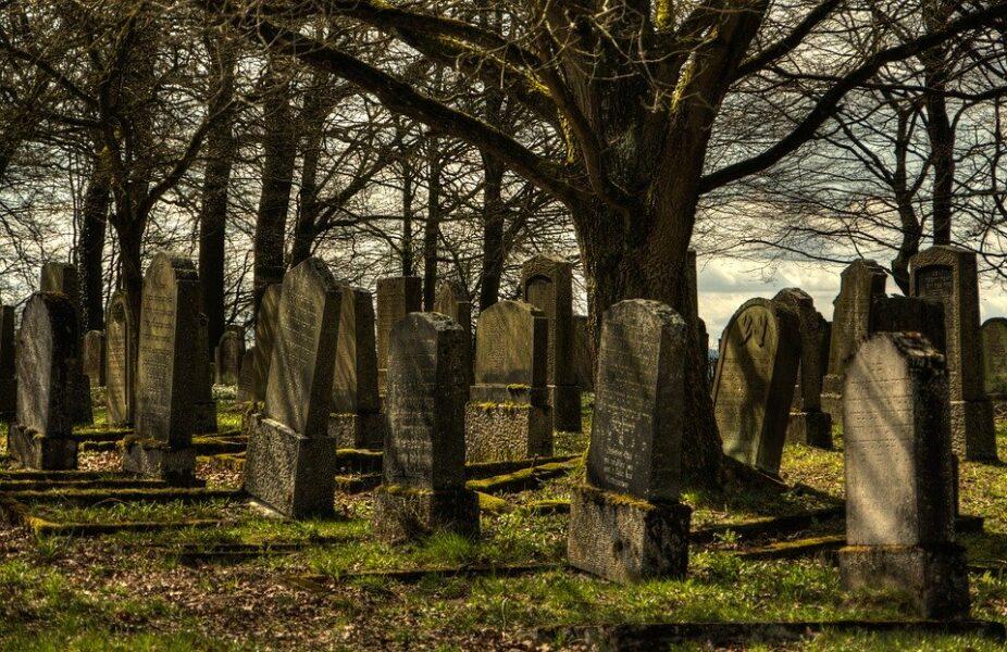 Funerária troca corpos de cadáveres e família enterra outra pessoa