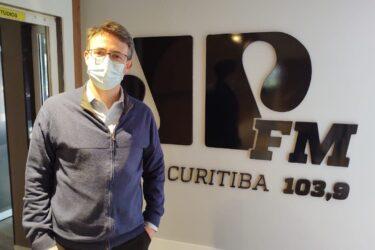 """Médico pré-candidato à Prefeitura de Curitiba, João Guilherme cobra atual gestão: """"Onde está o Greca quando tudo está ruim?"""""""