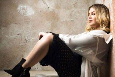 Marília Mendonça faz live com músicas 'lado b', assista ao vivo