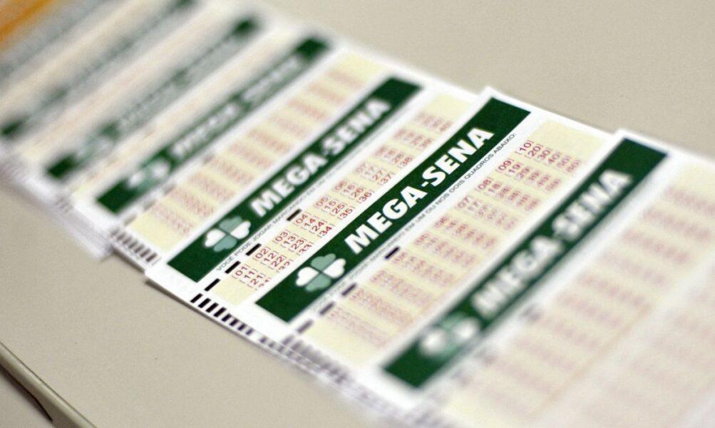 Mega-Sena acumulou e anuncia prêmio de R$ 32 milhões