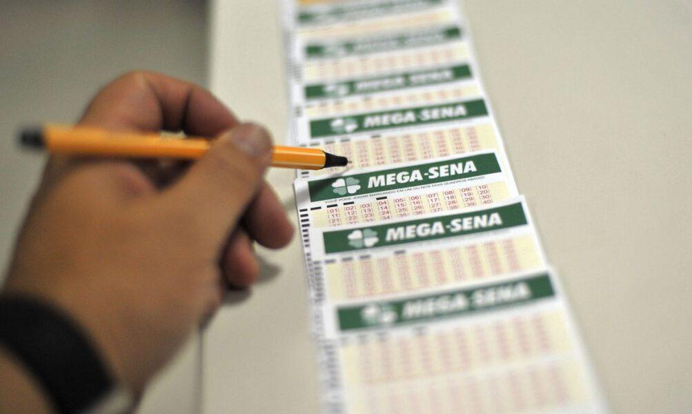 Após acumular três vezes Mega-Sena sorteia prêmio de R$ 12,5 milhões
