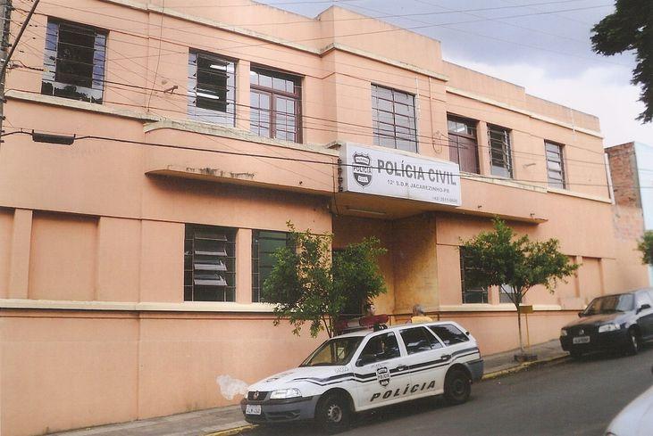 Preso foge da cadeia, cai de telhado e morre horas depois, em Jacarezinho