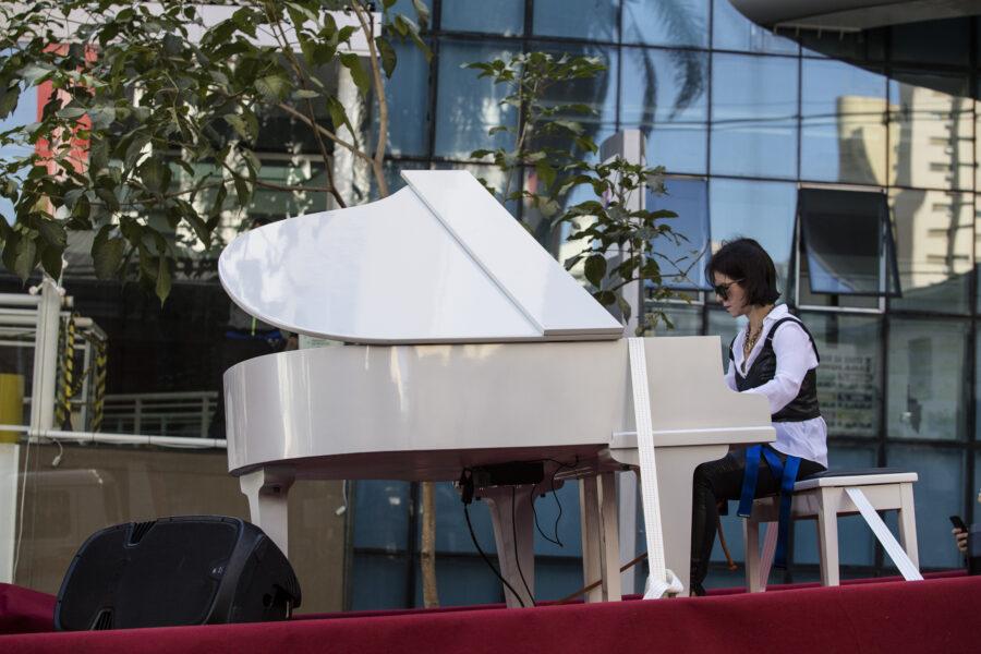 Recital itinerante de piano é atração no Dia dos Pais em Londrina