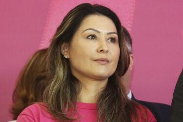 RIC Mais recebe Luciana Saito Massa, em live exclusiva com Sandra Comodaro e Eduardo Scola