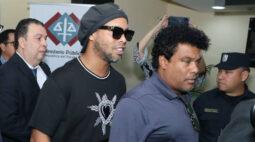 Ronaldinho Gaúcho e irmão poderão ser soltos após audiência no dia 24