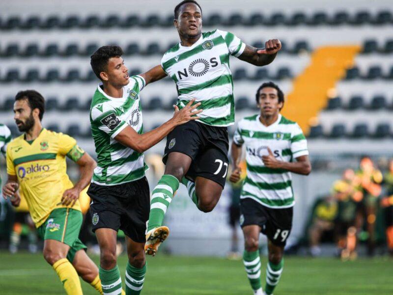 Sporting bate o Paços Ferreira e estreia com vitória no Campeonato Português