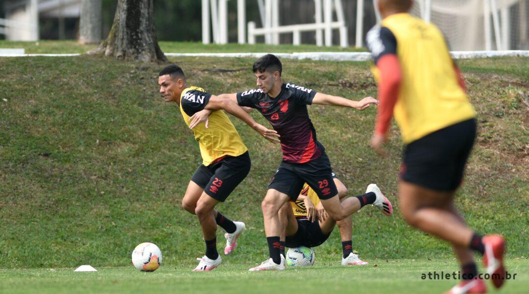 Athletico viaja para Cochabamba com desfalques