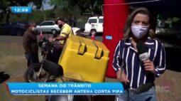 Semana do trânsito: motociclistas recebem antena corta pipa