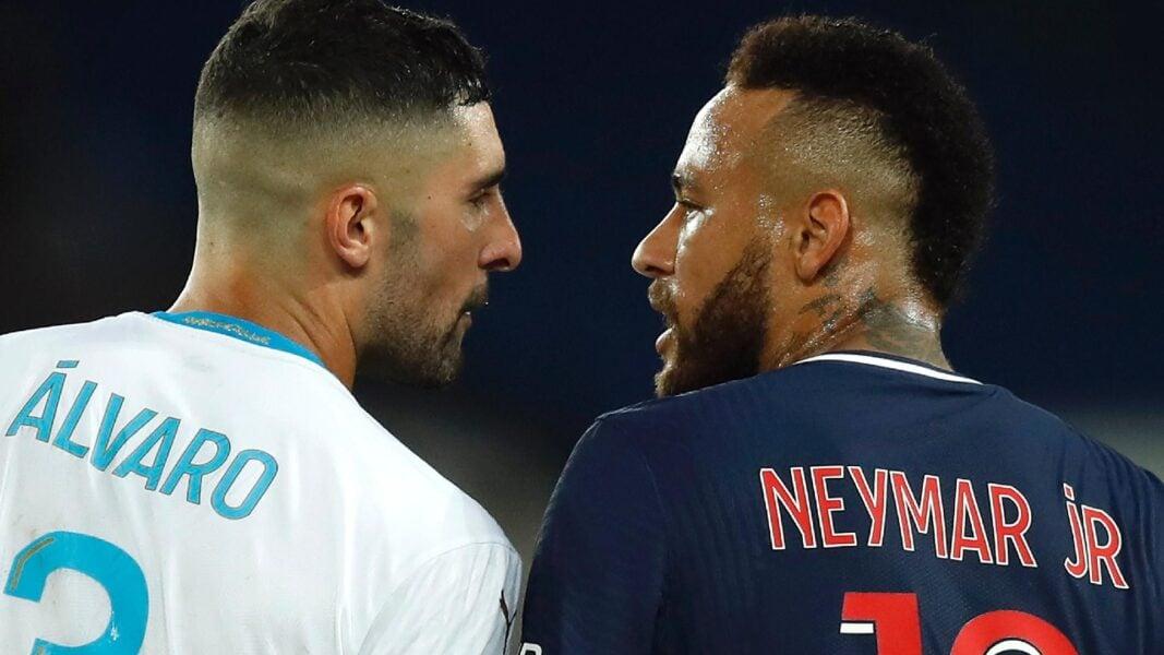 Neymar é suspenso após expulsão polêmica; Liga investiga caso de racismo