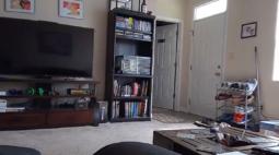 Atividade paranormal é flagrada por câmera em apartamento vazio; assista!