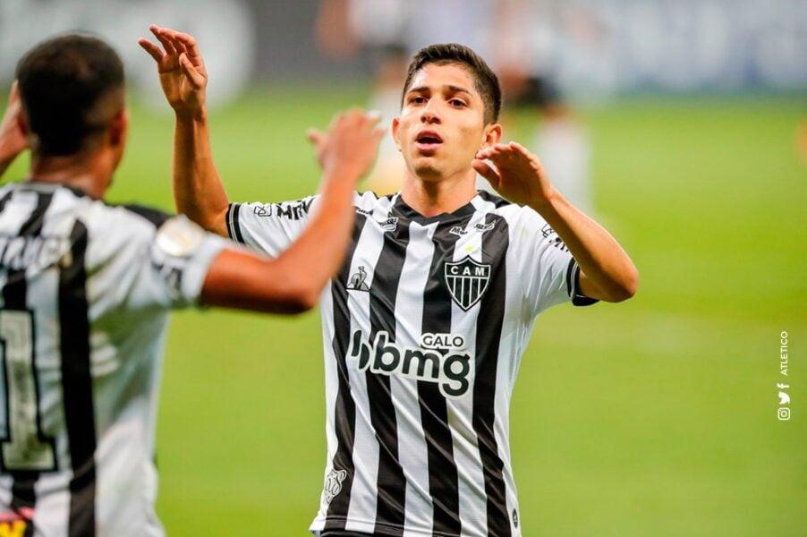 Savarino comemora gol decisivo em vitória do Atlético-MG sobre o RB Bragantino