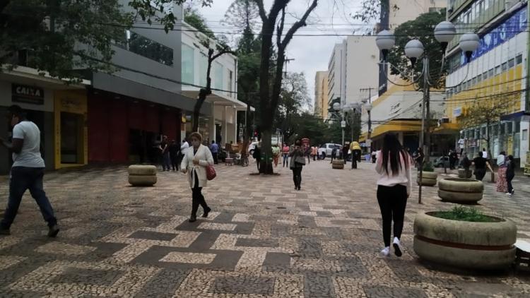 Comércio em Londrina passa a funcionar com horário ampliado a partir desta semana; confira