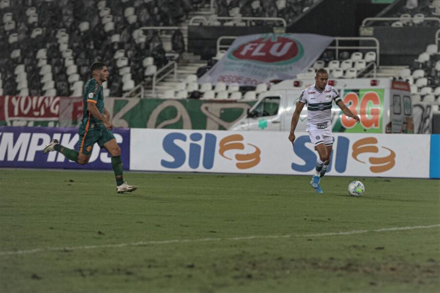 Coritiba perde de goleada para o Fluminense, no Rio de Janeiro