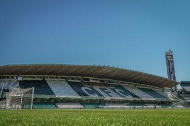 Em situações distintas no campeonato, Coritiba e Atlético-MG se enfrentam no Couto Pereira