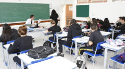PR: Escolas da rede estadual retomam às aulas presenciais hoje (10); veja lista