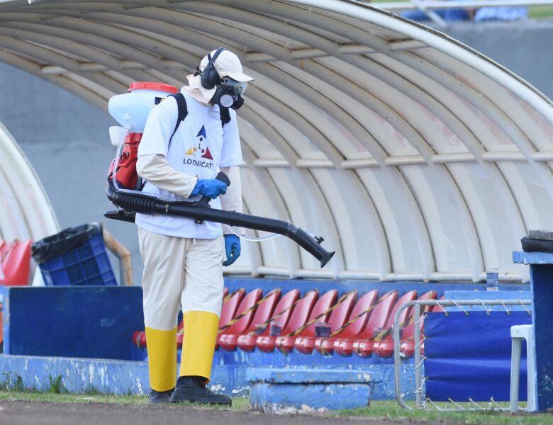 Estádio do Café passa por higienização durante a pandemia em Londrina