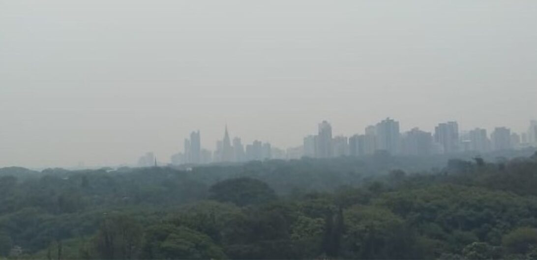 Fumaça em Maringá está vindo do Pantanal segundo Simepar: Especialistas recomendam beber muita água