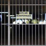 Professores do Paraná decidem que não retornarão com aulas presenciais em 2020