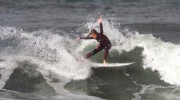 Luara Mandelli ganha etapa do Super Surf Virtual