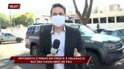 """Motorista é preso por dar """"cavalinho de pau"""" em frente à delegacia"""