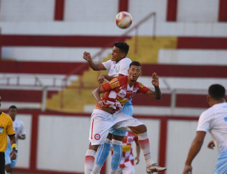 Londrina Esporte Clube é derrotado por clube mineiro