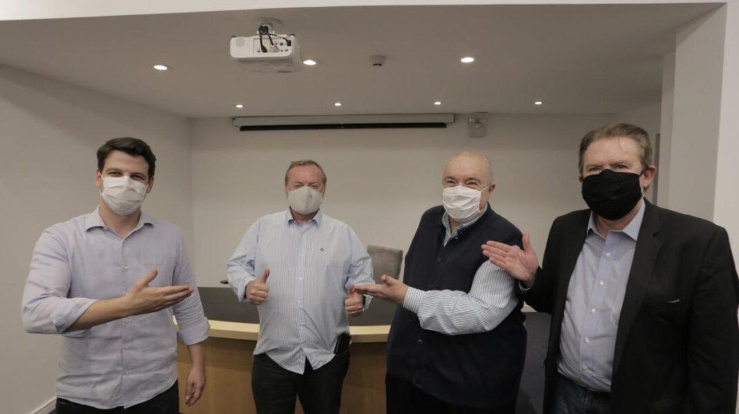 """Luciano Ducci anuncia apoio à reeleição de Greca: """"Não é hora de apostarmos em salvadores da pátria"""""""