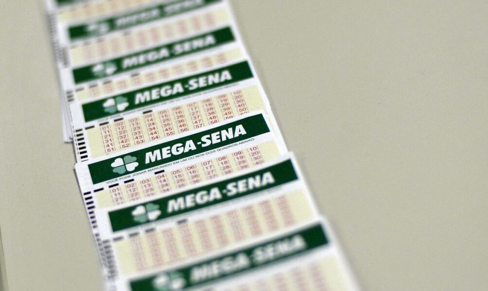 Mega-Sena acumula e anuncia prêmio de R$ 9 milhões para esta quarta-feira (16)