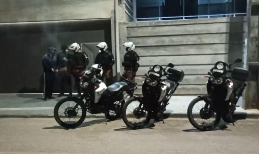Motorista de aplicativo é executado enquanto aguardava carro dentro de oficina, em Colombo