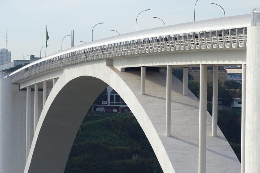 Ponte da Amizade: portaria do governo brasileiro permite circulação de morador da fronteira