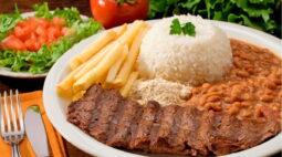 Bolsonaro pede a donos de supermercado para baixar o preço da comida