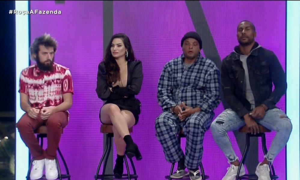 Cartolouco, Fernandinho BeatBox, Raissa Barbosa e Rodrigo Moraes formam a primeira Roça