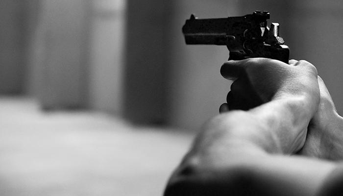 Suspeito de matar travesti se entrega e alega legítima defesa em Londrina