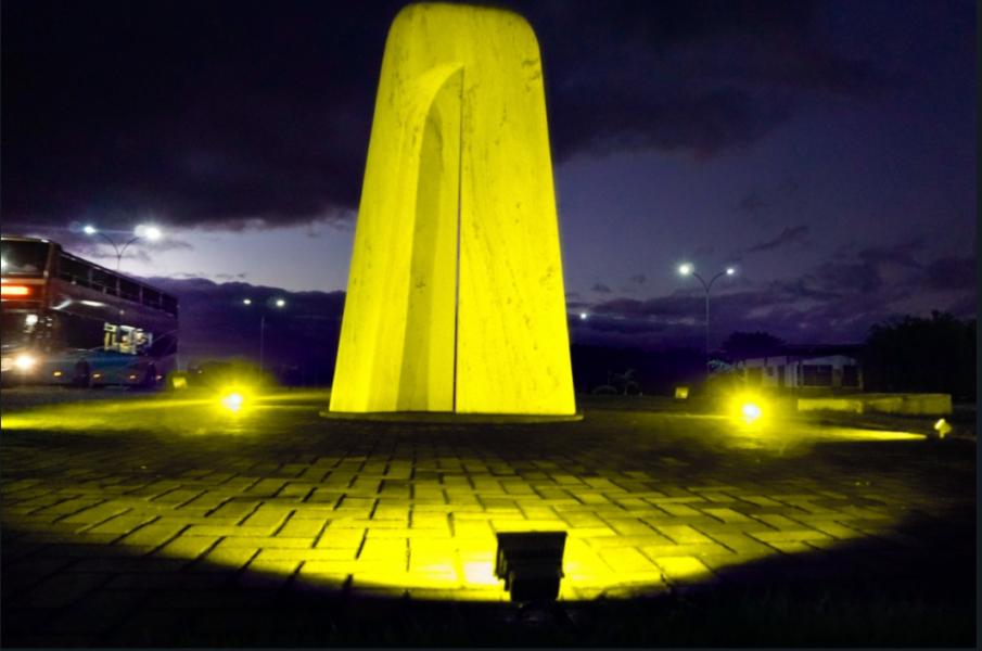 Usina de Itaipu adere ao Setembro Amarelo e ilumina atrativos com as cores da campanha