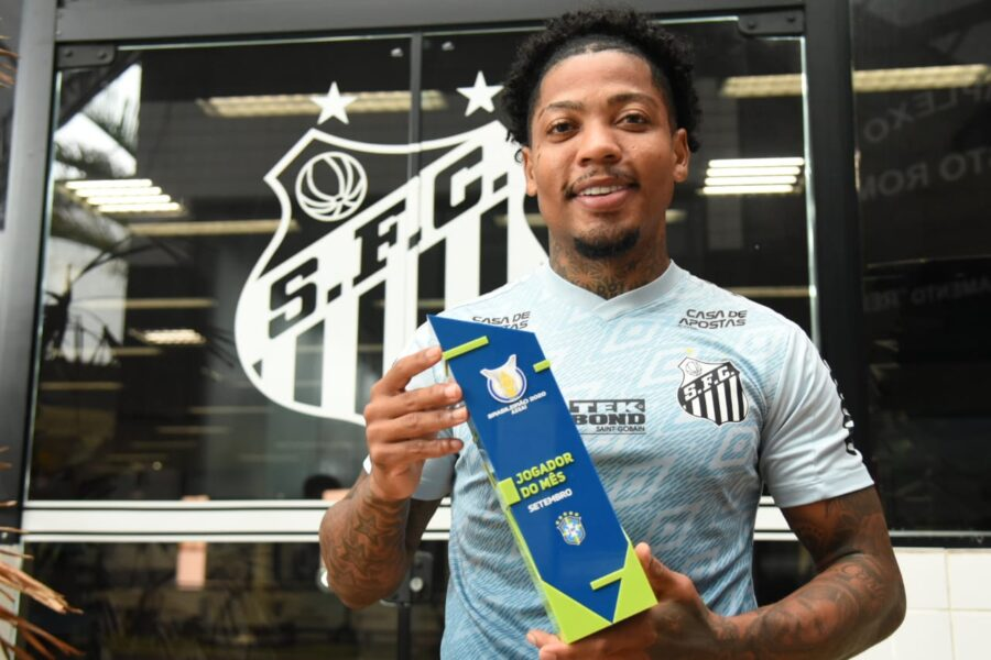 """Marinho, do Santos, é eleito o """"jogador de setembro"""" do Brasileirão"""