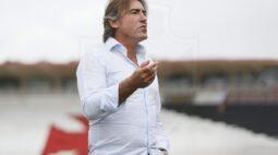 Sá Pinto inicia trabalho no Vasco com time perto do Z4
