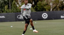Vasco negocia com jogador africano da MLS
