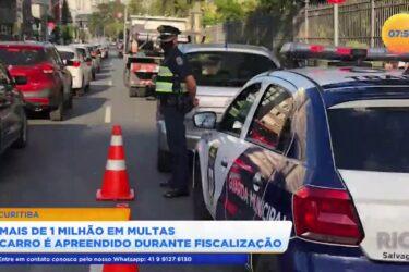 Mais de 1 milhão em multas carro é apreendido durante fiscalização