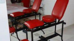 Jovem tem ferimentos graves após cair de brinquedo erótico em motel no Paraná