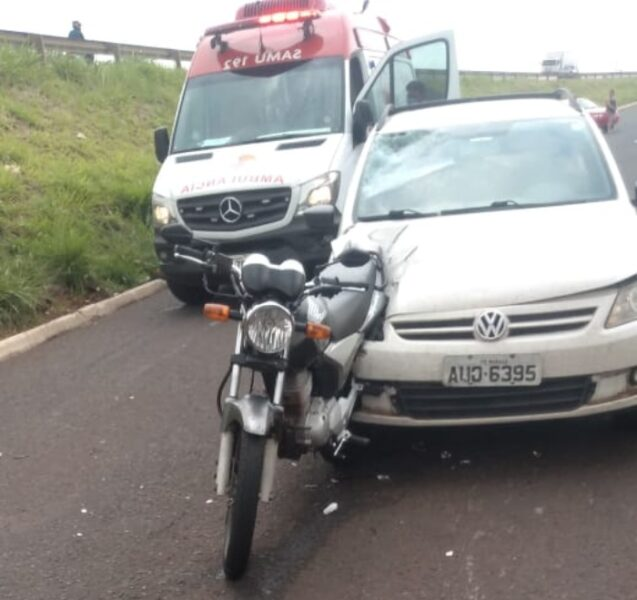 Jovem precisa ser intubado em estado grave após acidente de moto em Maringá