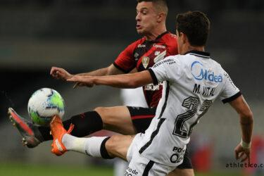 Athletico perde para o Corinthians em casa e desce para a ZR