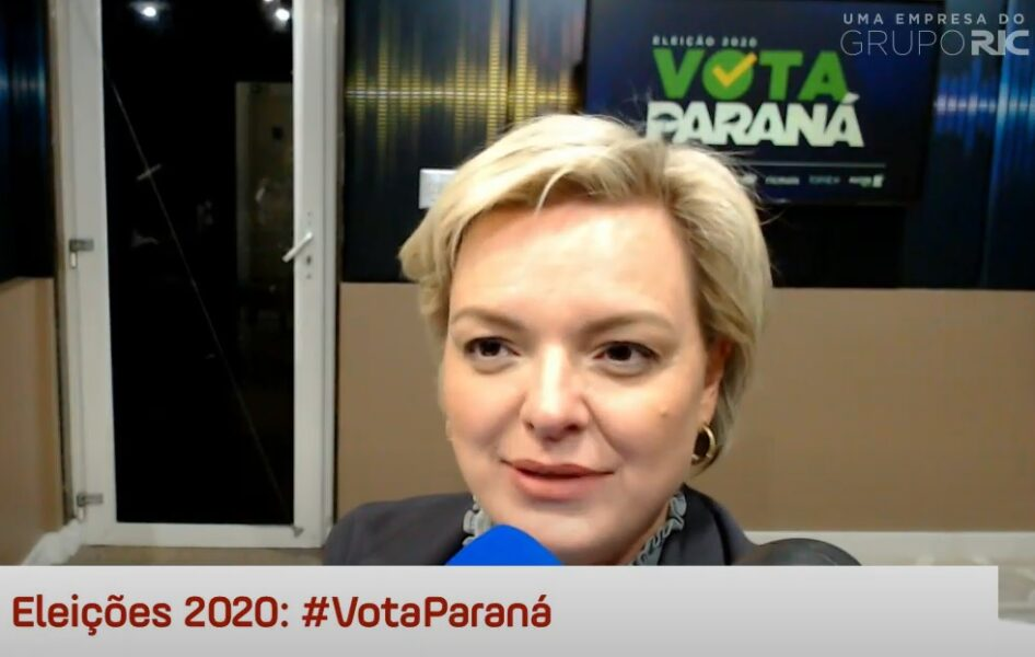"""Carol Arns (Podemos) critica """"eleição de gabinete"""" em Curitiba"""
