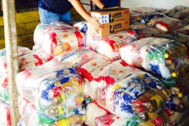 Postos de arrecadação da campanha Unidos Contra a Fome em Curitiba e RCM