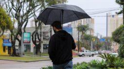 Chuva provoca estragos em Curitiba e região