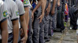 Sindicato entra na Justiça contra colégios cívico-militares no Paraná